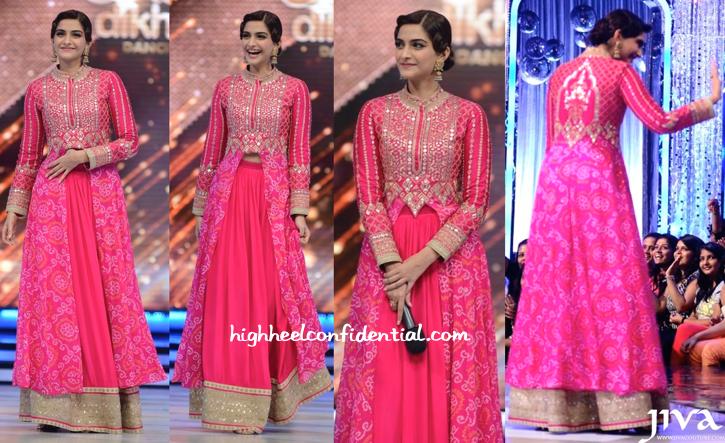Wearing Anita Dongre And Sunita Kapoor Signature Line Jewelry, Sonam Kapoor Promotes Khoobsurat On Jhalak Dikhhla Jaa Sets-1