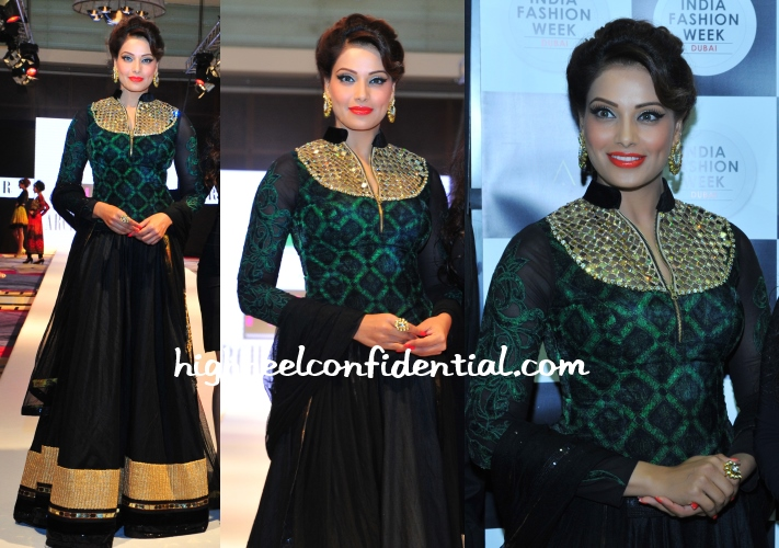 bipasha-basu-archana-kochhar-india-fashion-week-dubai
