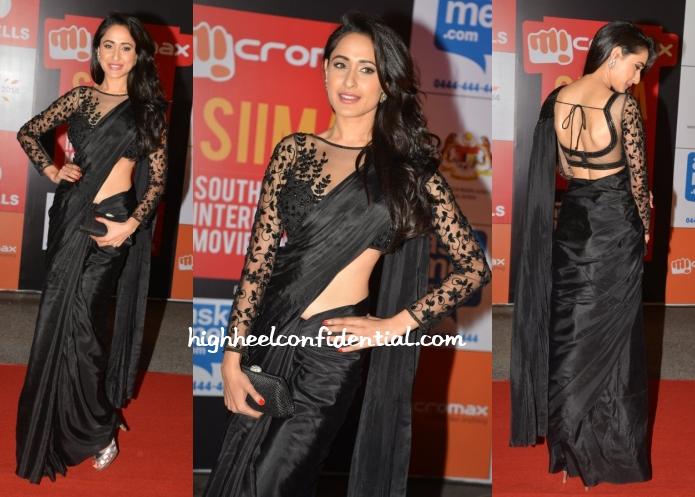 pragya-jaiswal-cherry-nair-siima-awards-2014-sari