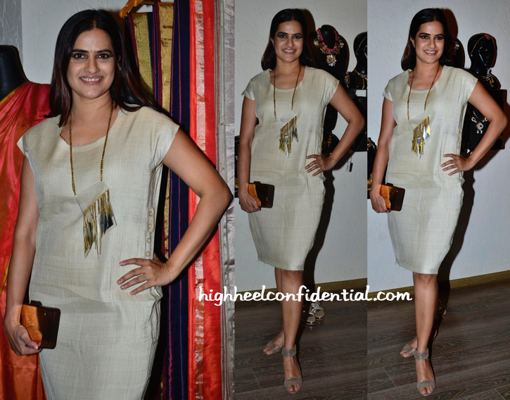 Sona Mohapatra Wears Abraham & Thakore To The Designers' Collection Preview At Atosa