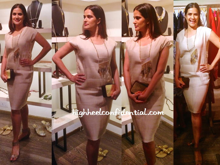 sona-mohapatra-wears-abraham-thakore-designers-collection-preview-atosa-1