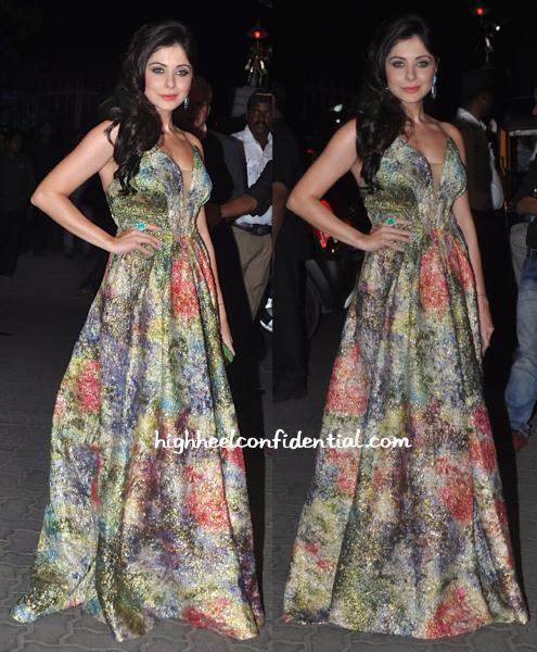 Kanika Kapoor In Monisha Jaising And Farah Khan Ali Fine Jewellery At Filmfare Awards 2015