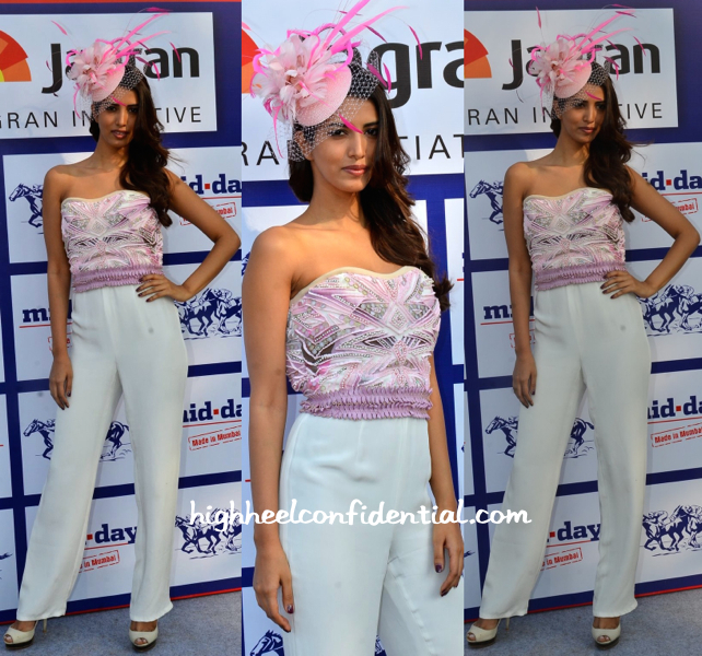 Manasvi Mamgai In Delna Poonawalla At Mid-Day Race 2015