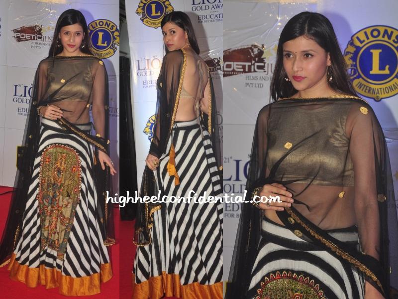 mannara-roshni-chopra-lion-awards-2014