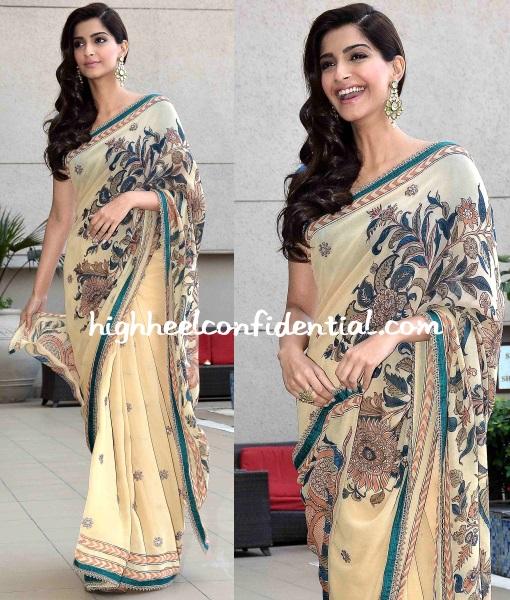 sonam-kapoor-anuradha-vakil-dolly-ahmedabad-promotions-1