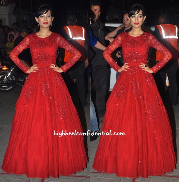 Amrita Rao In Astha Narang At Filmfare Awards 2015