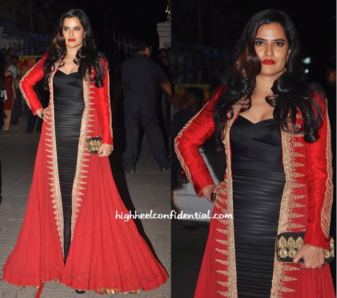 Sona Mohapatra In Anand Kabra At Filmfare Awards 2015