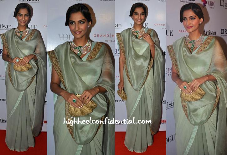 Sonam Kapoor In Anamika Khanna At GJEPC Artisan Awards 2015-1