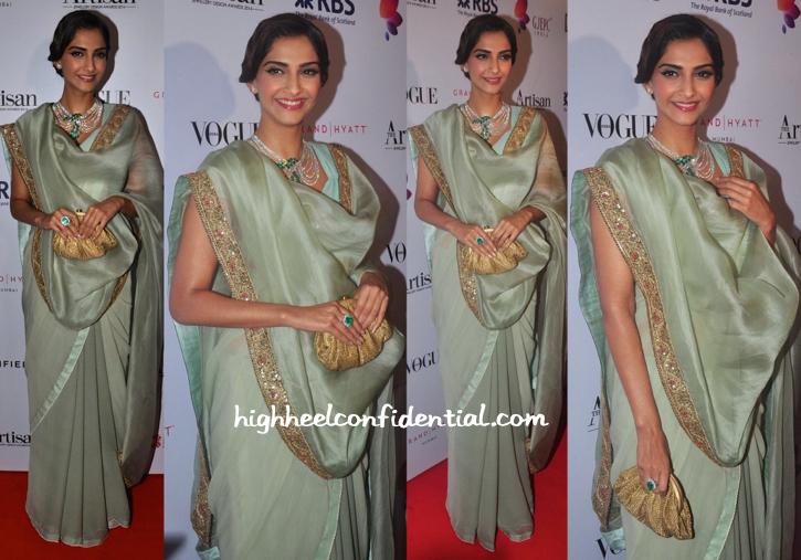 Sonam Kapoor In Anamika Khanna At GJEPC Artisan Awards 2015-2