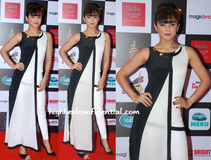 Madhurima Tuli In Farah Sanjana At Mirchi Music Awards 2015