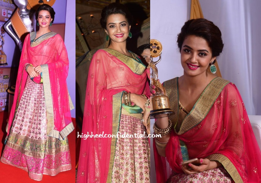 surveen-chawla-punjabi-film-awards-2015-manish-arora-lehenga