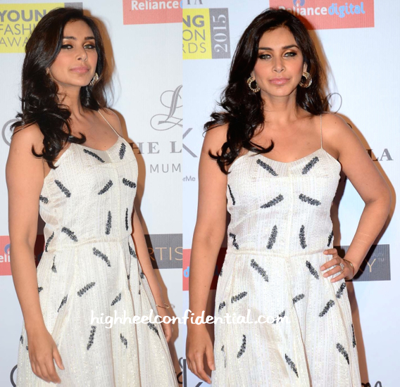 Lisa Ray In Shift By Nimish Shah At Grazia Young Fashion Awards 2015-2