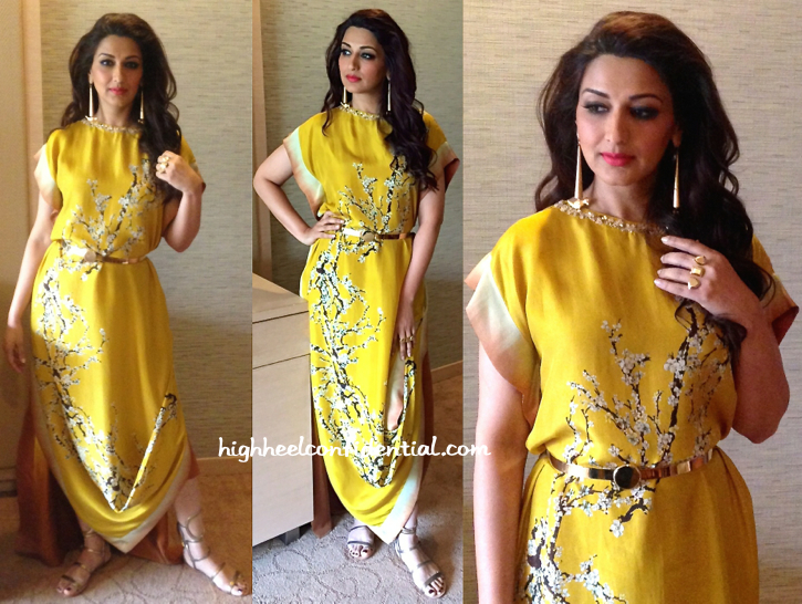 Sonali Bendre In Nikasha, Suhani Pittie And Eina Ahluwalia At An Event For Oriflame