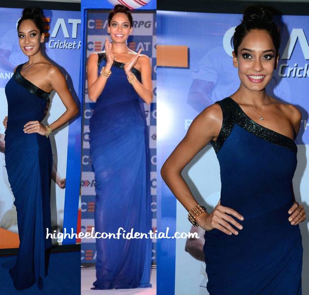 Lisa Haydon At CEAT Cricket Awards 2015-1