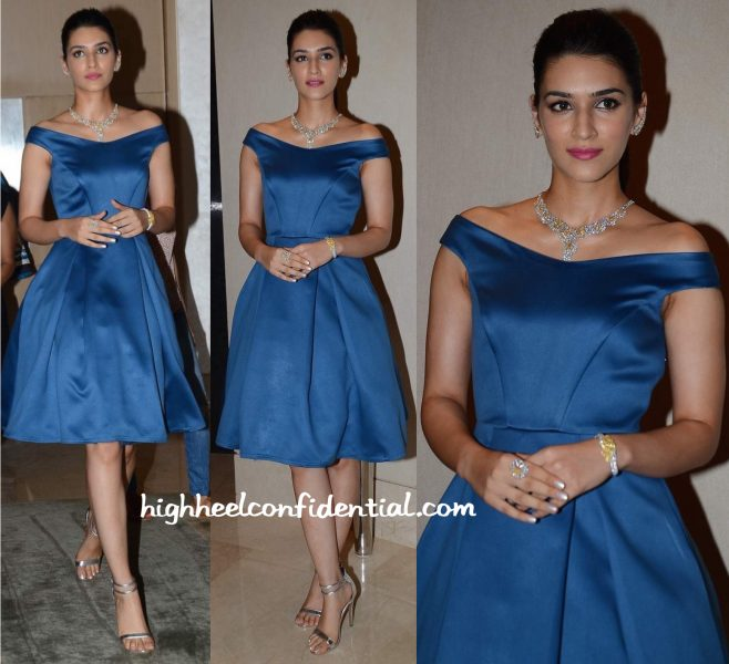 Kriti Sanon In Manika Nanda At VelvetCase Launch-2