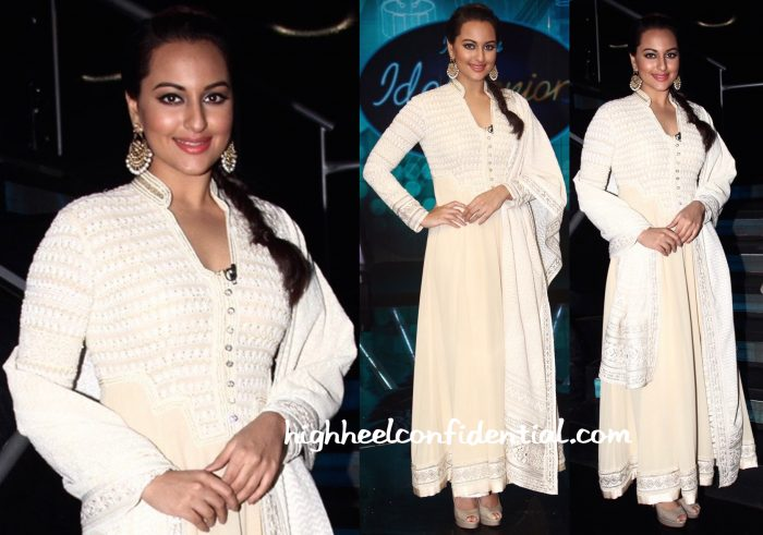 Sonakshi Sinha (In Manika Nanda And Abu Jani Sandeep Khosla) On Indian Idol Junior Sets-1