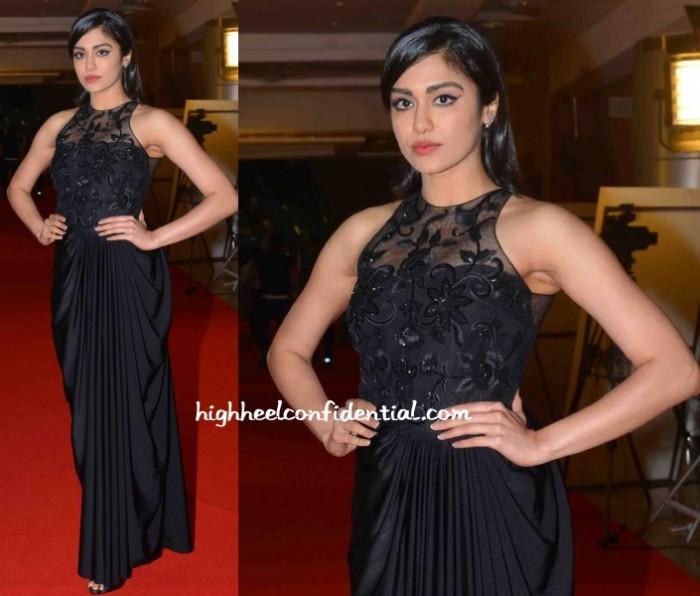 adah-sharma-ushma-vaidya-cinemaa-awards-2015