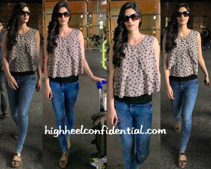 Kriti Sanon In Zara Photographed At Mumbai Airport