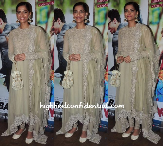 Sonam Kapoor In Anamika Khanna At Katti Batti Screening
