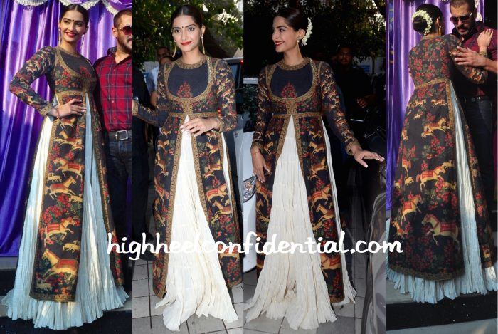 Sonam Kapoor Wears Rohit Bal To PN Gadgil Jewelers Event:Prem Ratan Dhan Payo Promotions