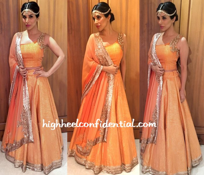 Sophie Choudry In Manish Malhotra And Anmol At Bachchans' Diwali Party