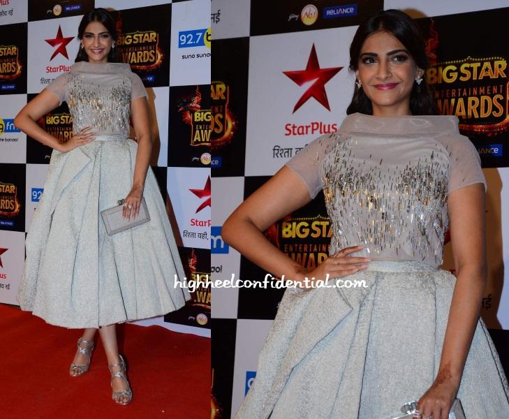 sonam-kapoor-rami-al-ali-big-star-entertainment-awards-2015