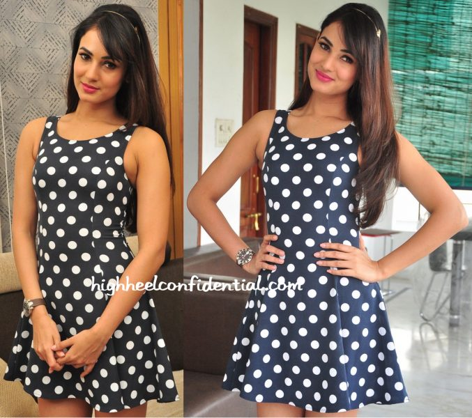 Sonal Chauhan Wears H&M To Movie Promotions In Hyderabad-2