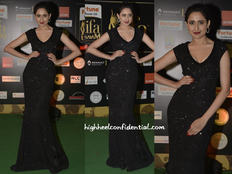 pragya-jaiswal-payal-jain-iifa-utsavam-2016-day-two