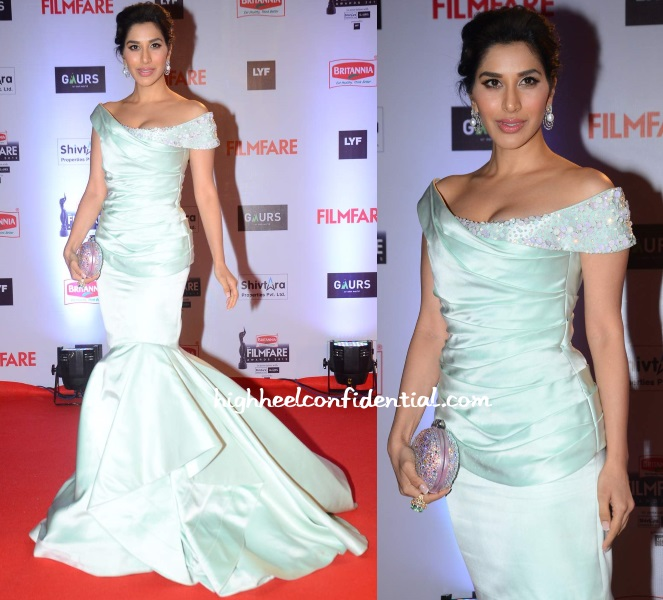 sophie-choudry-georges-chakra-filmfare-awards-2016