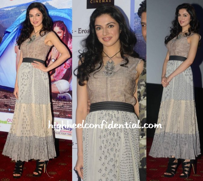 Divya Khosla Kumar In Urvashi Kaur At Sanam Re Promotions
