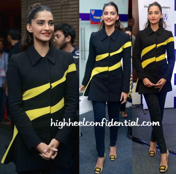 Sonam Kapoor In Dior At A Pro Kabaddi Match In Delhi-1