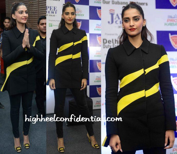 Sonam Kapoor In Dior At A Pro Kabaddi Match In Delhi-2
