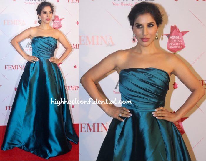Sophie Choudry In Gauri And Nainika At Femina Beauty Awards 2016-2