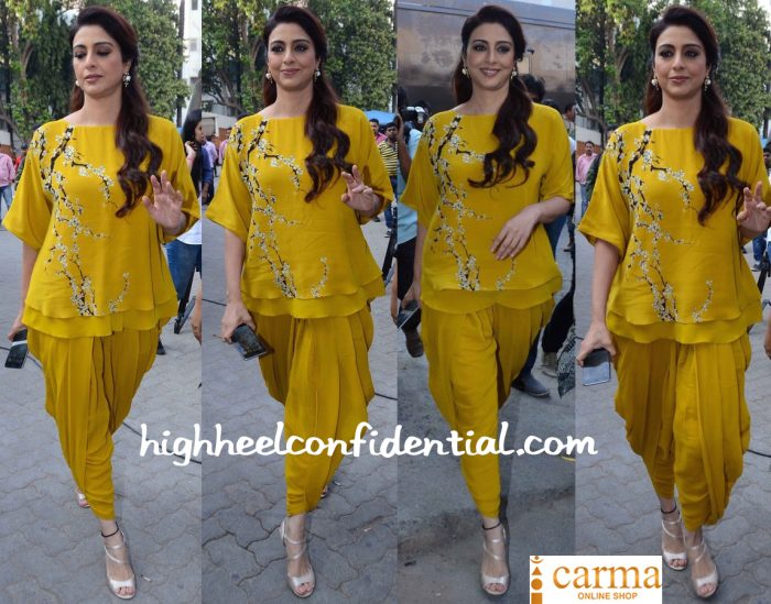 Tabu Wears Nikasha To Fitoor Promotions