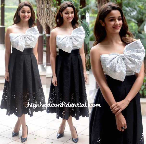 Alia Bhatt Wears Bambah To 'Kapoor And Sons' Promotions-1
