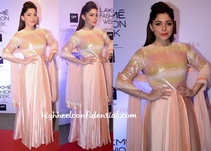 Kanika Kapoor At Manish Malhotra's Show At Lakme Fashion Week Summer Resort 2016