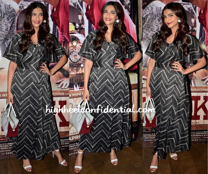 Sonam Kapoor At Ki And Ka Screening-1