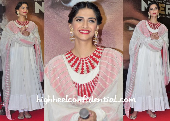 Sonam Kapoor In Anamika Khanna At Neerja Promotions-1