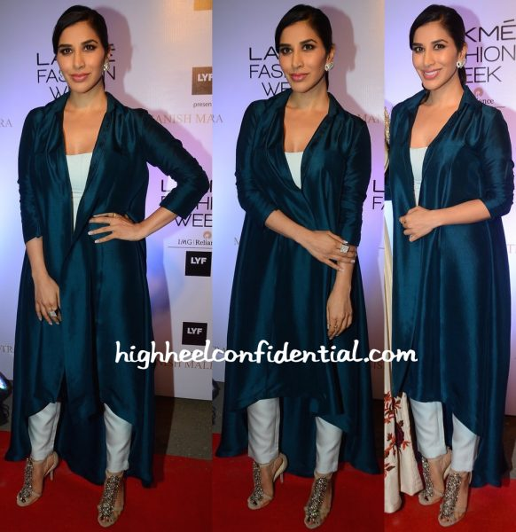 Sophie Choudry At Manish Malhotra's Show At Lakme Fashion Week Summer Resort 2016