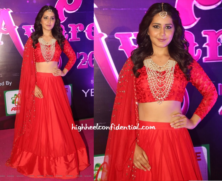 raashi-khanna-astha-narang-apsara-awards-2016