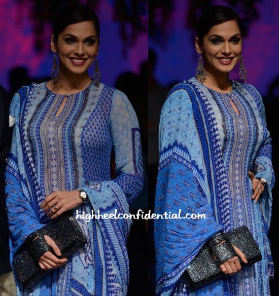 Isha Koppikar In Anita Dongre At Designer's Show At Lakme Fashion Week Summer Resort 2016-2