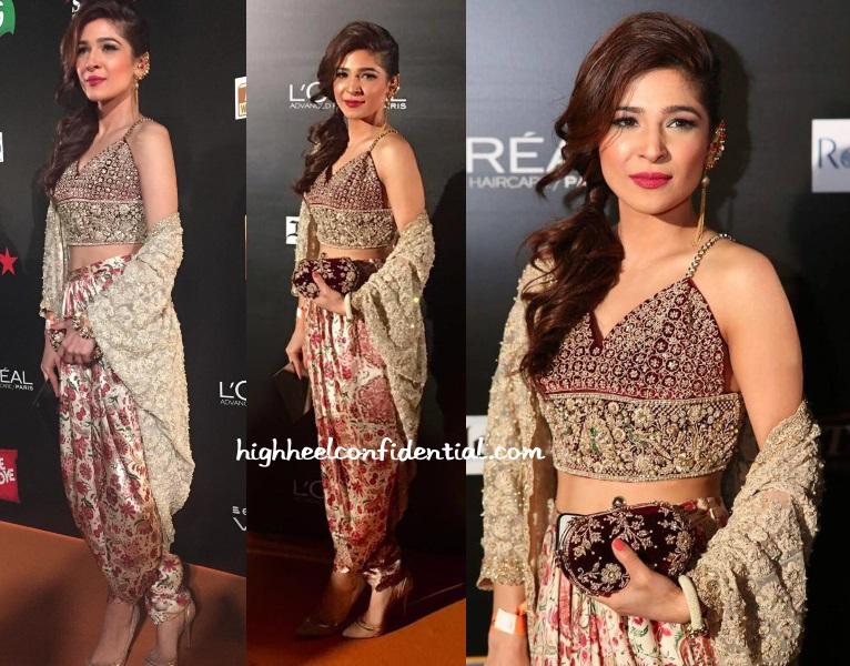 ayesha-omar-shehla-chatoor-ary-film-awards-2016