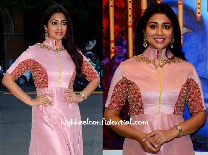 shriya saran-art exhibition-2