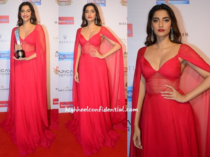 sonam-kapoor-naeem-khan-hello-hall-fame-awards-2016