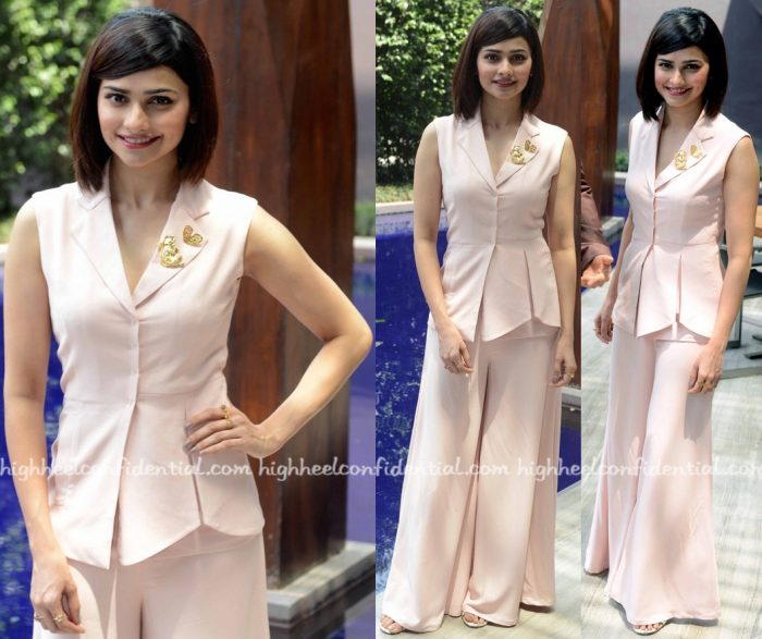 Prachi Desai In Manika Nanda And Mrinalini Chandra At Azhar Promotions-2