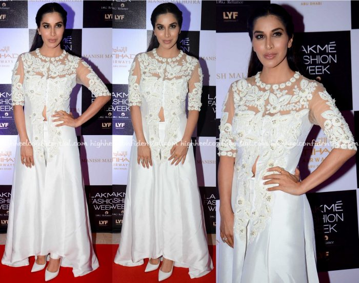 Sophie Choudry Attends Manish Malhotra's Show At Lakme Fashion Week Winter:Festive 2016