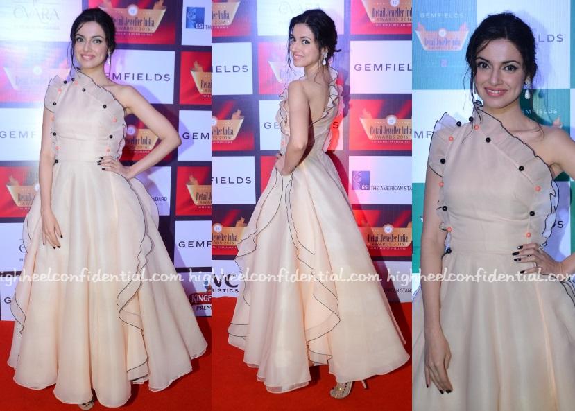 divya-khosla-kumar-gauri-nainika-retail-jeweller-india-awards-2016