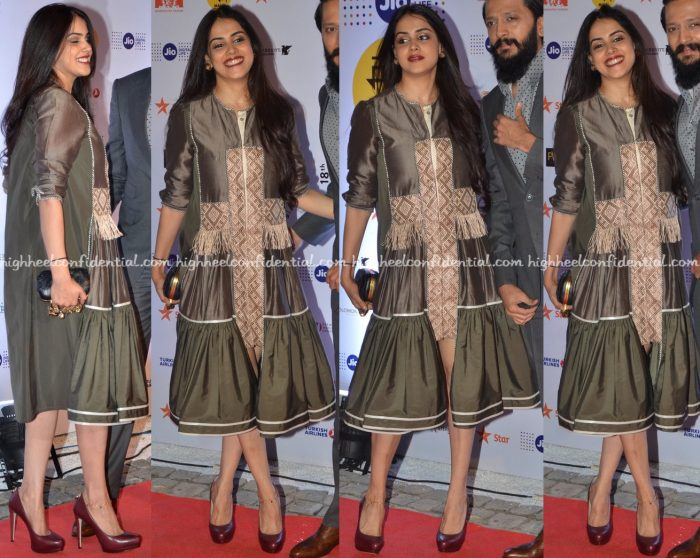genelia-deshmukh-in-am-it-at-mami-mumbai-film-festival-2016-opening-night-1