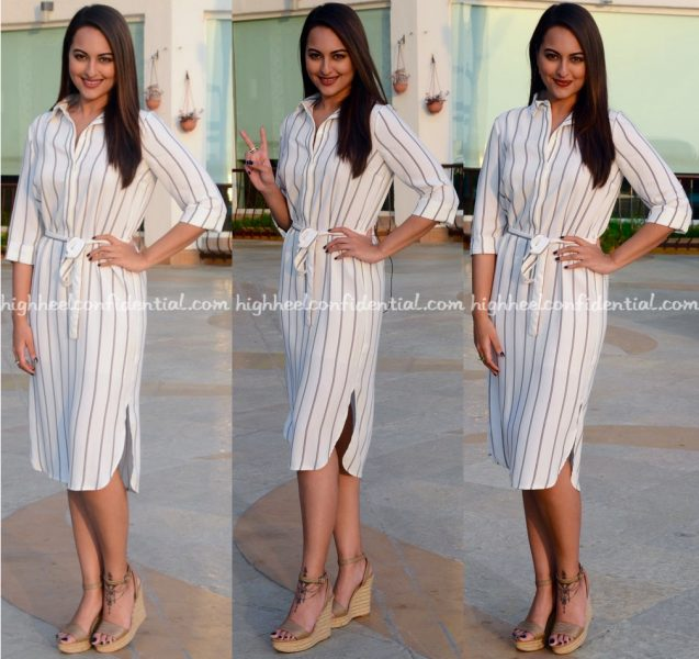 sonakshi-sinha-in-marks-spencer-at-force-2-promotions