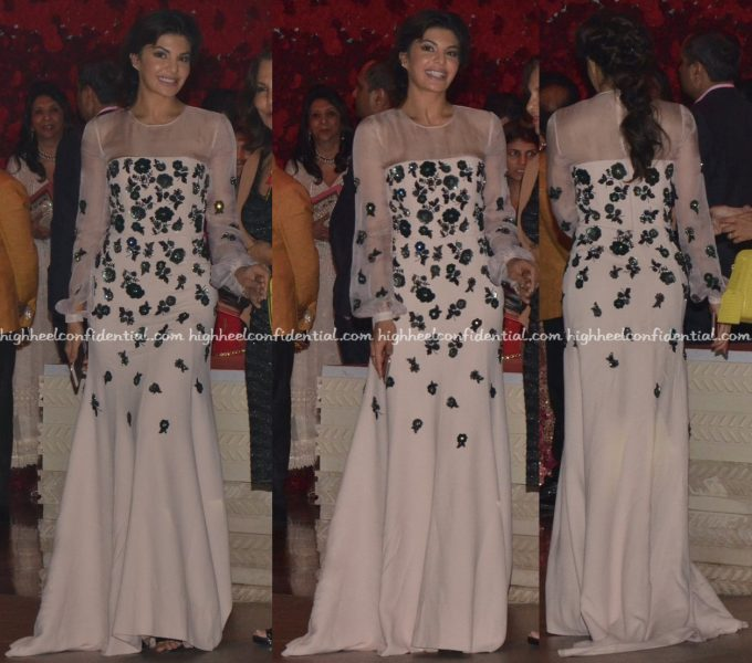 jacqueline-fernandez-in-andrew-gn-at-manish-malhotras-show-at-antilla-2